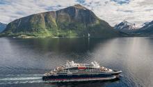 Ponant cruises © PONANT Philip Plisson