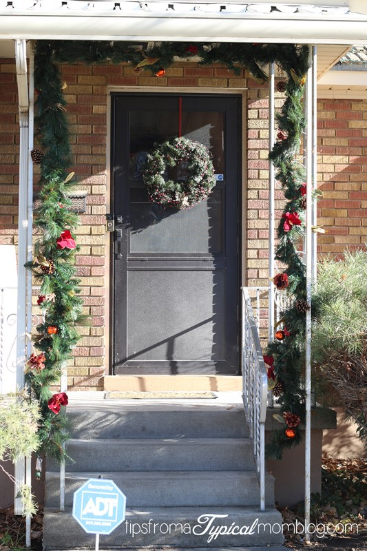 10 Creative Ways to Decorate with a Garland