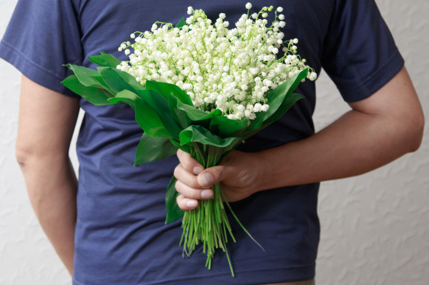 Flowers for the First Date