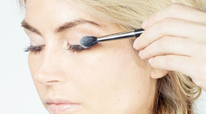 Ultimate tips and tricks to ease your makeup look: