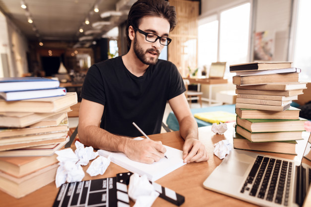 13 Steps to Follow As a Passionate Scriptwriter