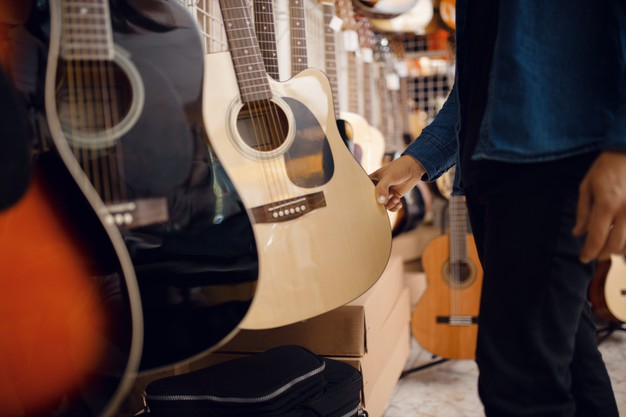 Top 5 Things You Must Know Before Buying A Guitar
