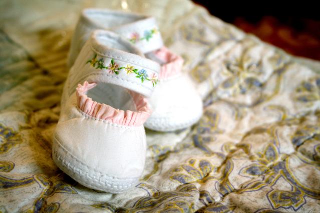 Ilustrasi Sepatu Bayi I img: freeimages.com