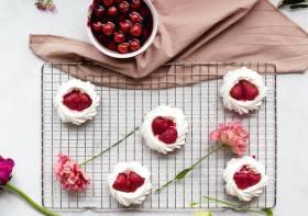 Resep Pavlova Buah Segar, Dessert Mewah Cepat dan Mudah Dibuat