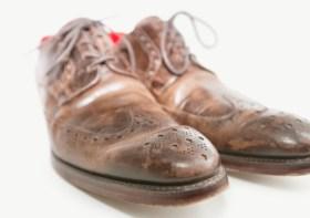 Cara Merawat Sepatu Kulit Agar Tahan Lama