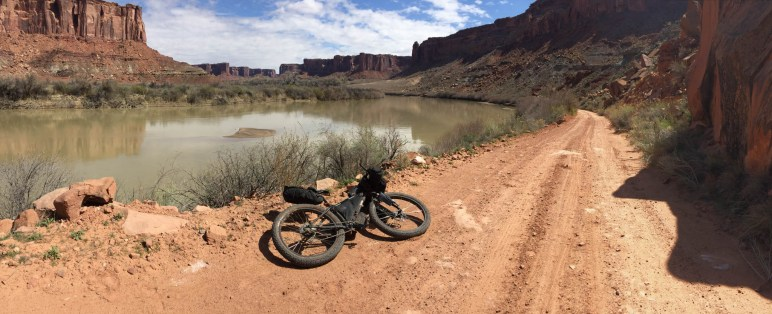 Just outside of the Canyonlands park boundary I had to stop to enjoy the last flattish ground before climbing nearly 2000 feet back out of the canyon, 1000 of which happens in less than a mile and a half up the Mineral Bottom switchbacks.