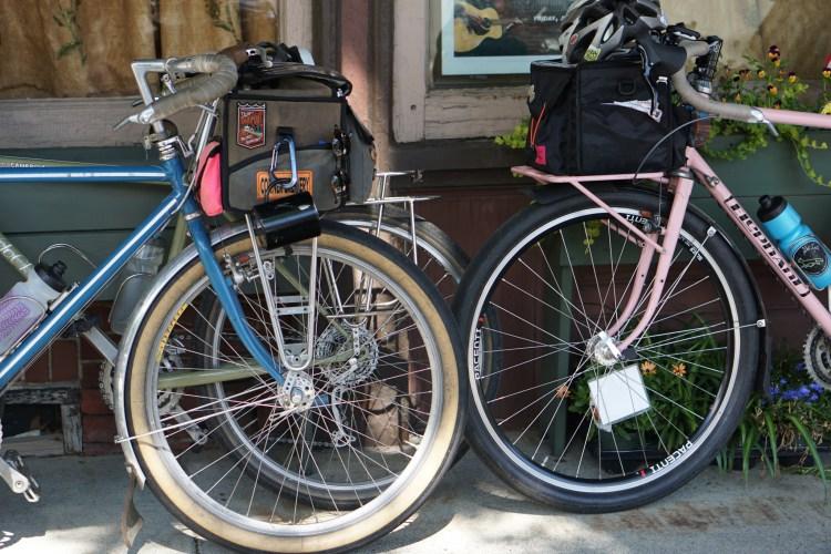 Rosa, Ponyta and Hermano bike pilin' #supple