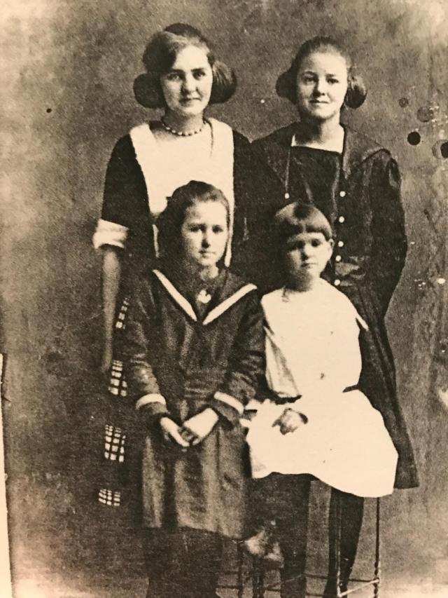 4 of them Faulk gals of Jim and Minnie Mabel and Audrey in the back Lexie and Edna Earl up front Not sure what year but it wasn't recent [Caption by Kenny Faulk]
