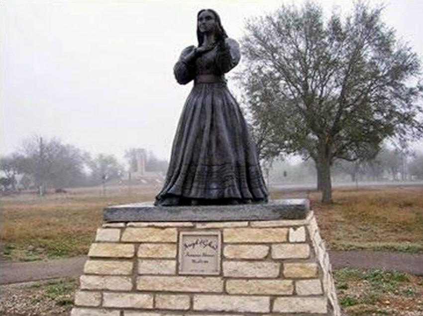 Angel of Goliad Statue