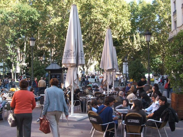 A sidewalk cafe on the Paseo del Prado