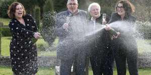 À 87 ans, il est devenu le plus vieux gagnant du loto