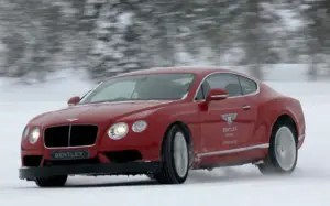 Bentley-Continental-GT-in-red
