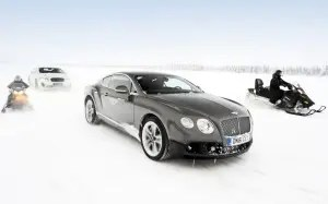 Bentley-Power-on-Ice-two-Bentleys-1024x640