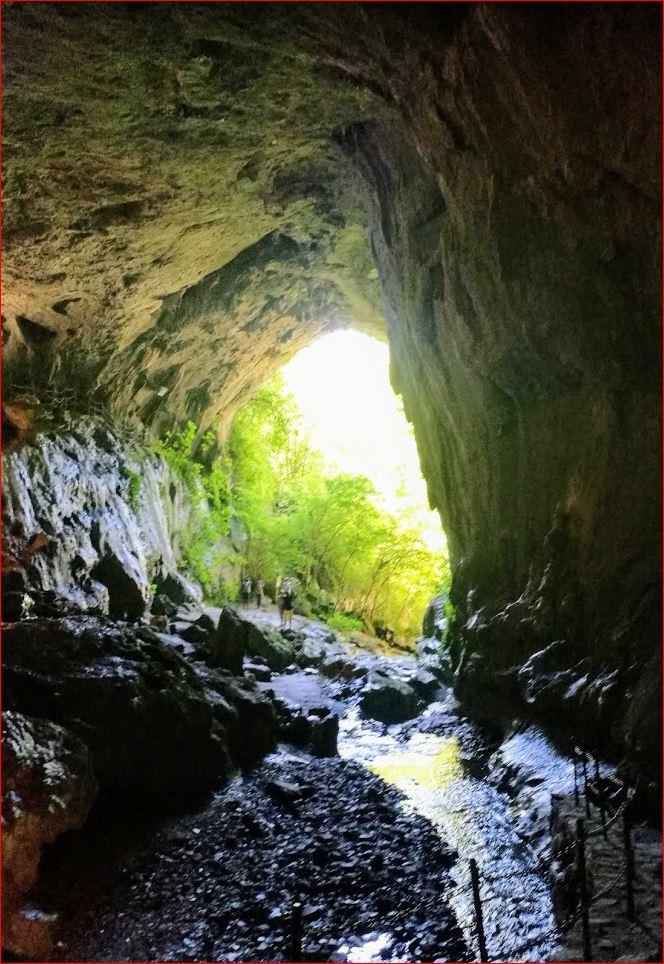 Visita a las cuevas de Zugarramurdi