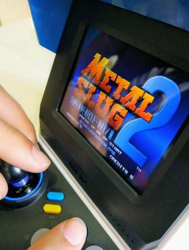 Un foto de alguien a los mandos del Metal Slug 2