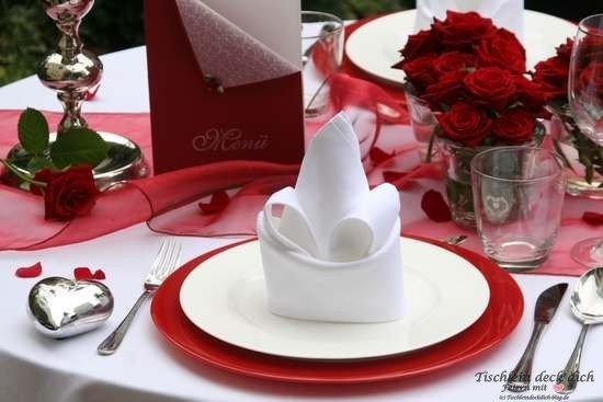 Tischdekoration zum Candlelight Dinner oder Heiratsantrag im Detail