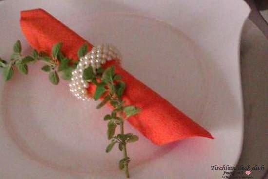 Fruehstuecksbrunch -Tischdekoration-orange
