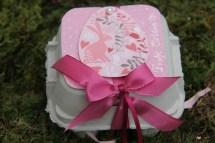 Basteln mit Eierkartons Gastgeschenk pink rosa