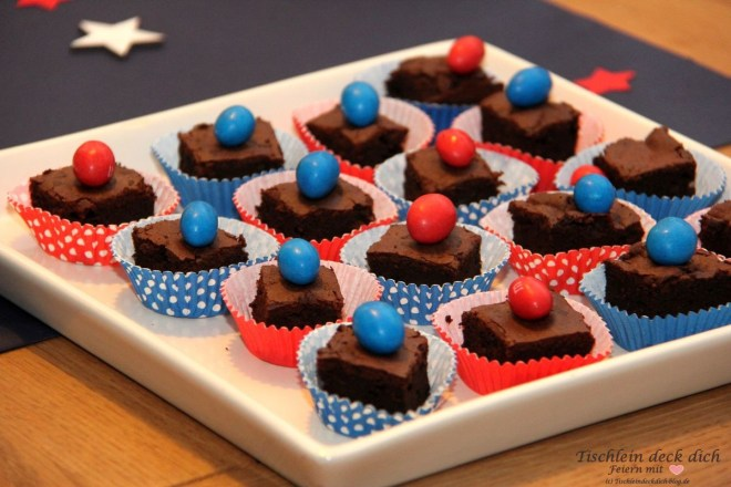 USA Wahlparty Tischdeko Stars and Stripes Brownies