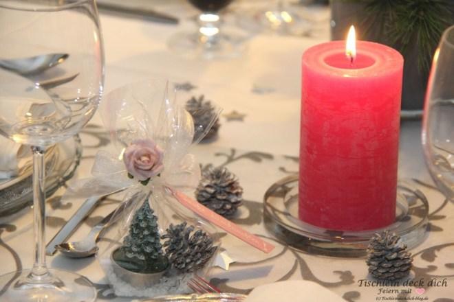 elegante-weihnachtstafel-rosa