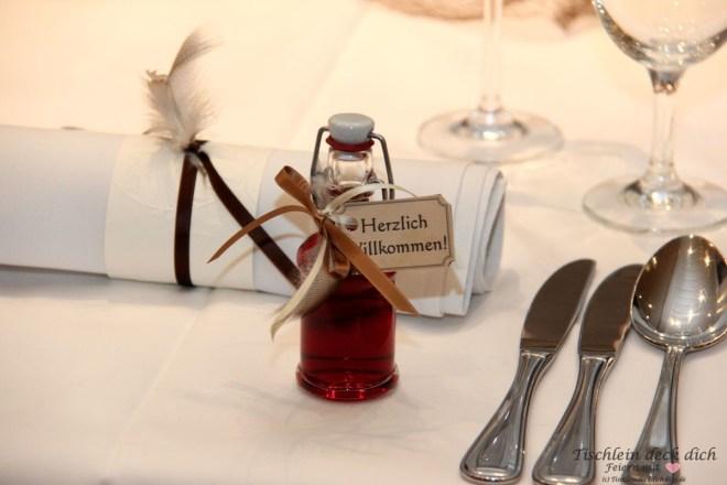 Gastgeschenk, Rotweinlikör im Fläschchen
