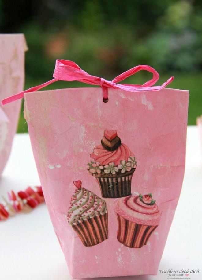 kleine Geschenktüte aus Tetrapack im Vintagelook
