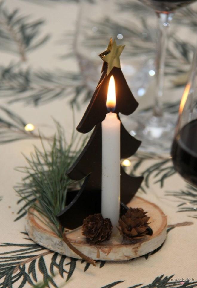 Kerzendekoration fuer Weihnachten