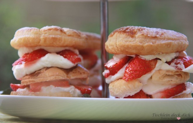 Blaetterteigtoertchen mit Erdbeeren sind schnell und einfach gemacht