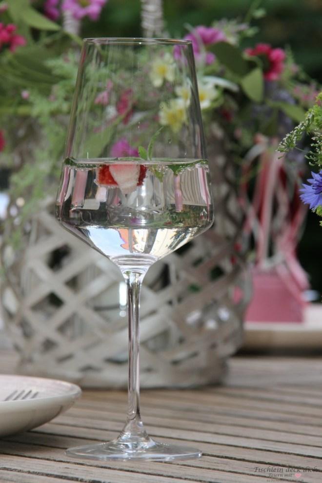 Tischdekoration für eine fröhliche Mittsommernacht mit edding
