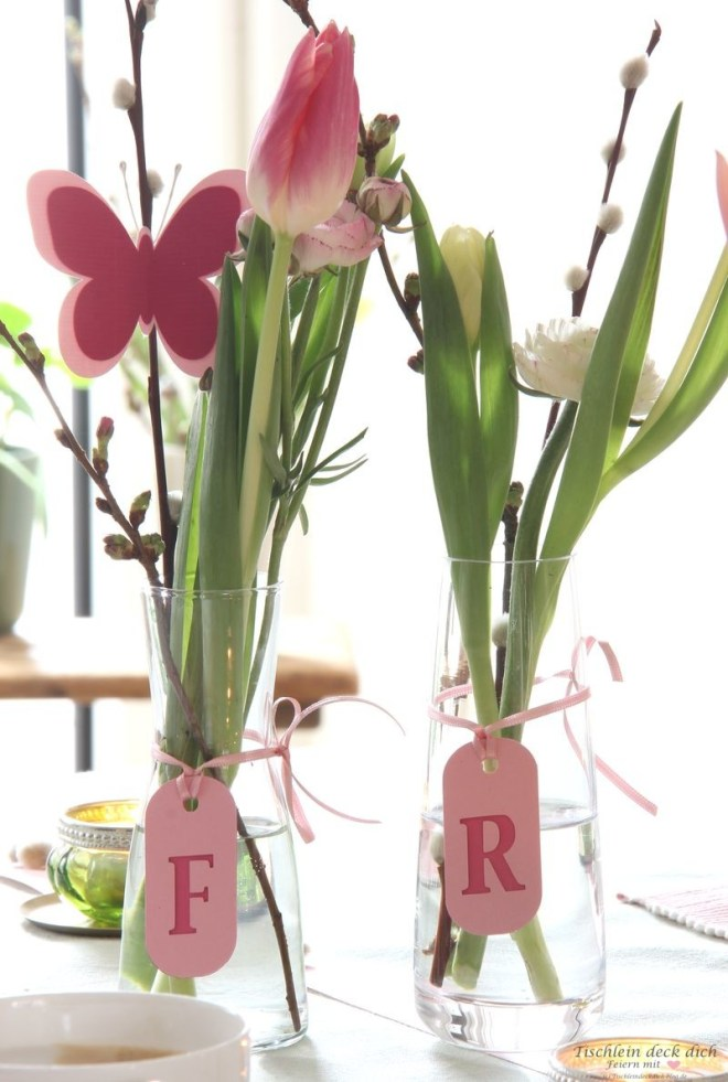 Frühlingshafte Tischdeko mit Schmetterlingen
