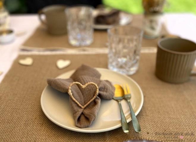 Boho Serviette mit Herz für das Kaffeekränzchen