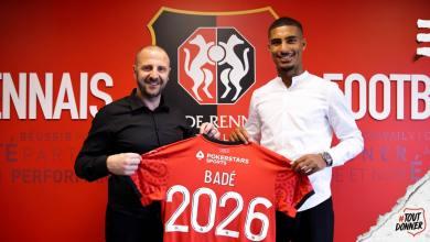 Loic Badé signe au Stade Rennais
