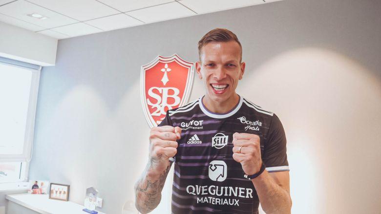 Stade Brestois : Marco Bizot signe à Brest