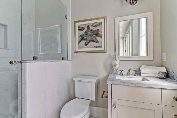 Fournier - 2900 Ardmore_Bathroom1