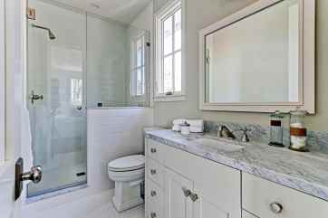 Fournier - 2900 Ardmore_Bathroom2