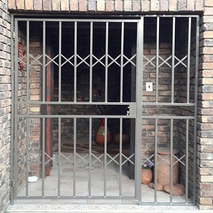 swing gate door