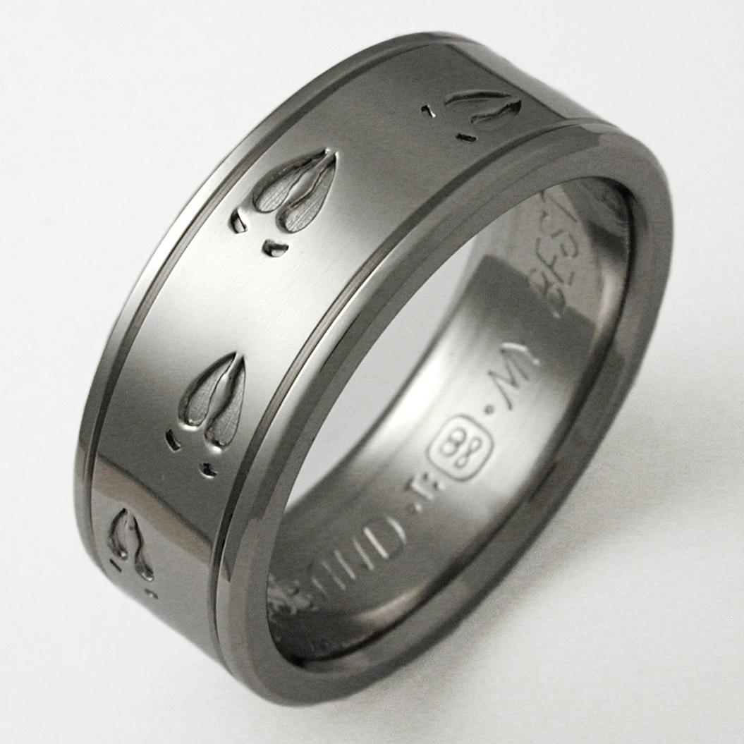 Durango 1 Titanium Ring With Animal Tracks Titanium
