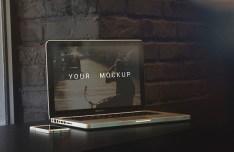 5 MacBooK Pro Mock-ups