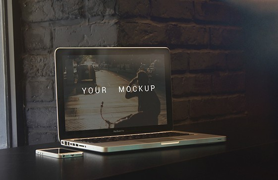 5 MacBooK Pro Mock-ups