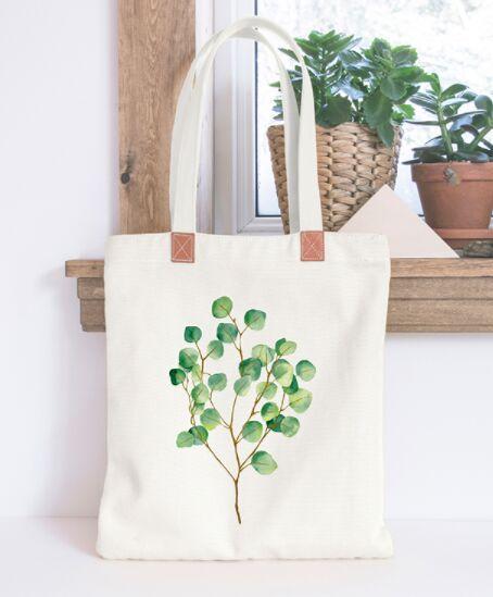 Realistic Tote Bag PSD Mockup