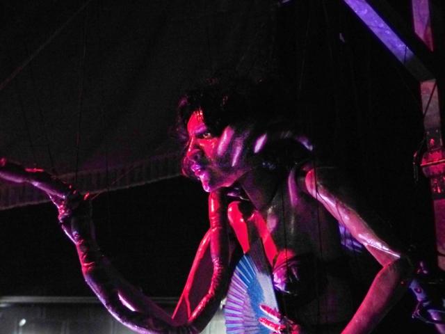 Peep Show, Naked Puppet. Marioneta gigante. Foto de Jesús Atienza.