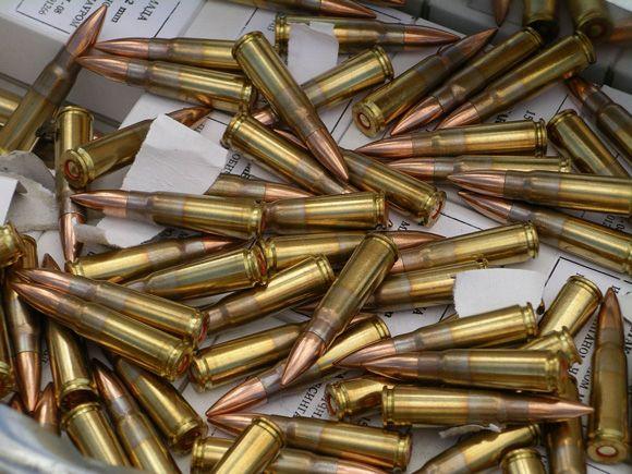 Extraction de trois balles du corps de Chokri Belaïd