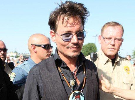 Photos-Johnny-Depp-changement-de-look-pour-le-beau-gosse_paysage_460x380