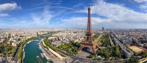 La Tour Eiffel se met au virtuel