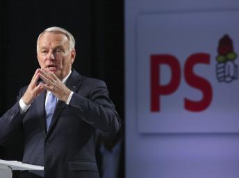 Le Premier ministre français Jean-Marc Ayrault est en réunion avec les syndicats et les groupes d'employeurs sur la réforme des retraites.