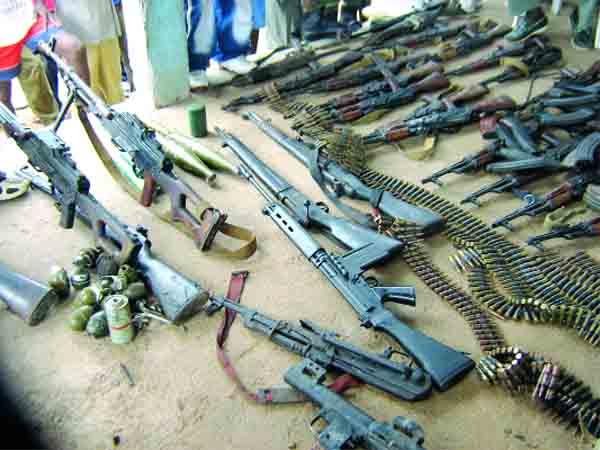 des ventes d'armes libyens sont organisées, via le site de réseautage social «Facebook».