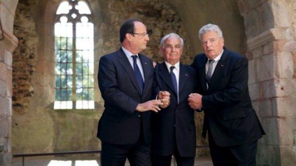 © AFP François Hollande, Robert Hébras et Joachim Gauck