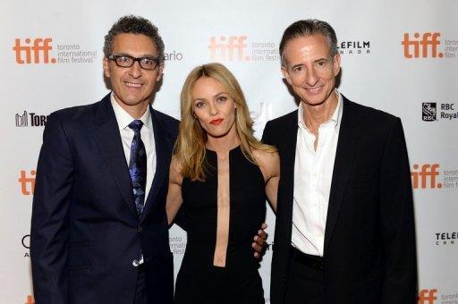Le Directeur / acteur John Turturro, l'actrice Vanessa Paradis et le producteur Bill Bloquer lors de la première de