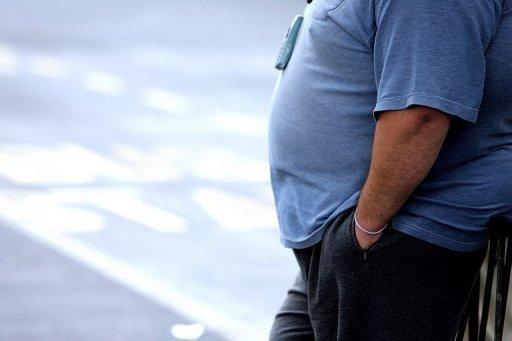 Beaucoup d'hommes d'âge moyen trouvent leur tour de taille en expansion et leur libido diminue