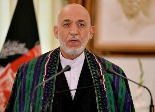 Le président afghan Hamid Karzai s'exprime lors d'une conférence de presse conjointe à Islamabad le 26 Août 2013. Les candidats qui cherchent à lui succéder doivent s'inscrire avant le 6 Octobre.